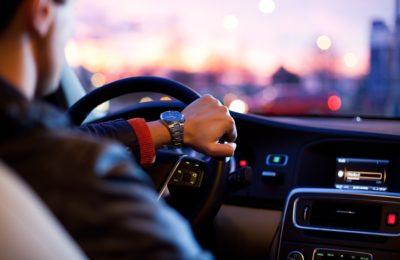 tráfico 400x260 - ¿Cómo renuevo mi carnet de conducir?