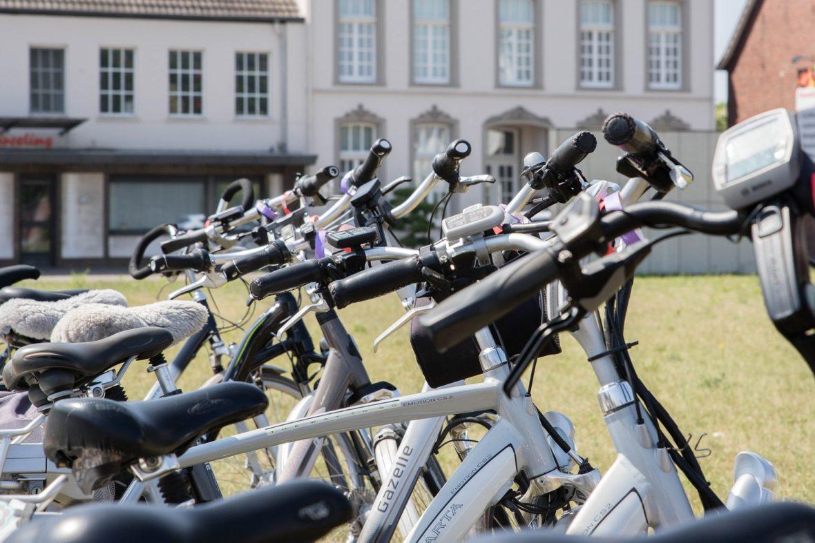bici eléctrica 1180x787 - El kit que convierte tu bici manual en eléctrica