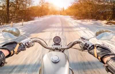 moto 2 400x260 - Consejos para conducir tu moto en invierno