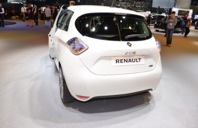 Renault 1 1 400x260 - ¿Cuál es el coche eléctrico más vendido de España?
