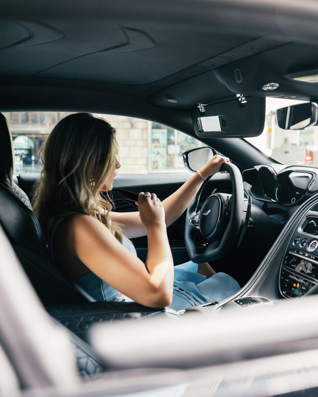 spencer davis hi1Iq4x ldM unsplash 1180x1475 - Desescalada: nueva normativa para viajar en coche o moto