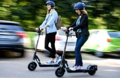 Electric scooter 400x260 - La micromovilidad: una solución sostenible y necesaria en la desescalada