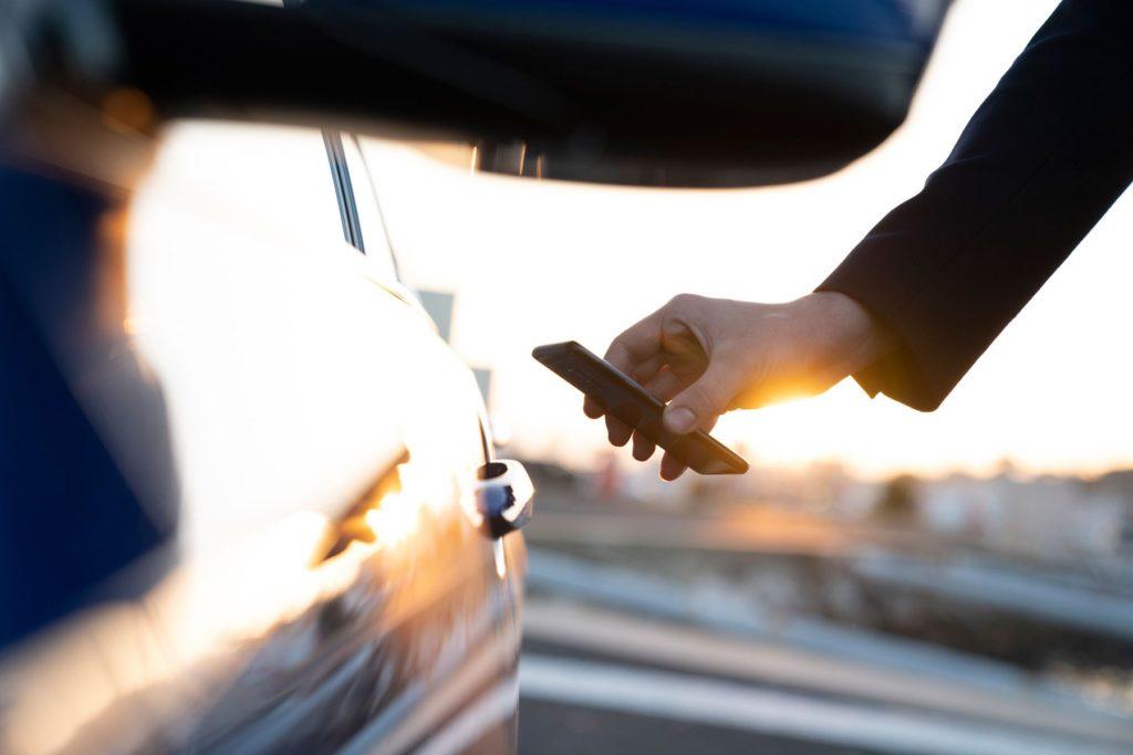 apple carkey 8 1024x683 - BMW te permite llevar la llave del coche en tu smartphone