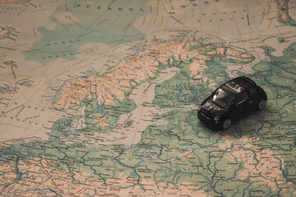 holidays car travel adventure 21014 1180x787 - Los 5 mejores países para recorrer en coche