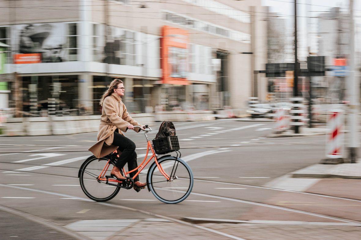 Ciclista 1 1180x787 - Nueva movilidad: Guía para los ciclistas urbanos
