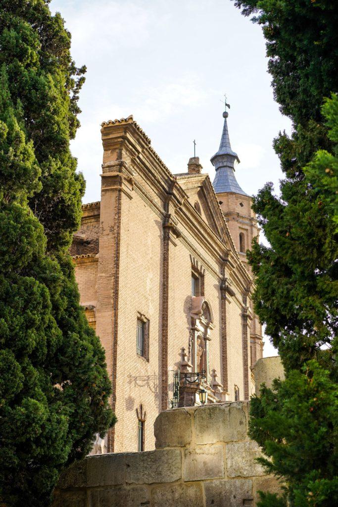 Zaragoza 3 683x1024 - Quiz: ¿Cuánto sabes de Zaragoza?