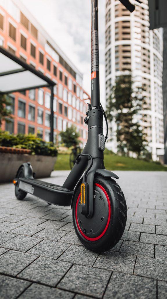 martin katler SwWewDn3CG4 unsplash 575x1024 - Las ayudas que se pueden pedir para comprar bicis y patinetes eléctricos