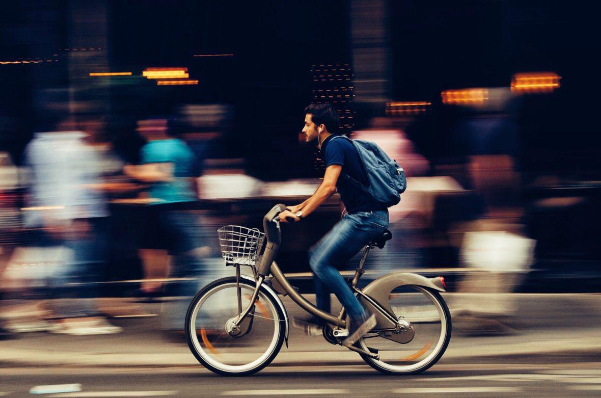 pexels snapwire 310983 1180x781 - Las ayudas que se pueden pedir para comprar bicis y patinetes eléctricos