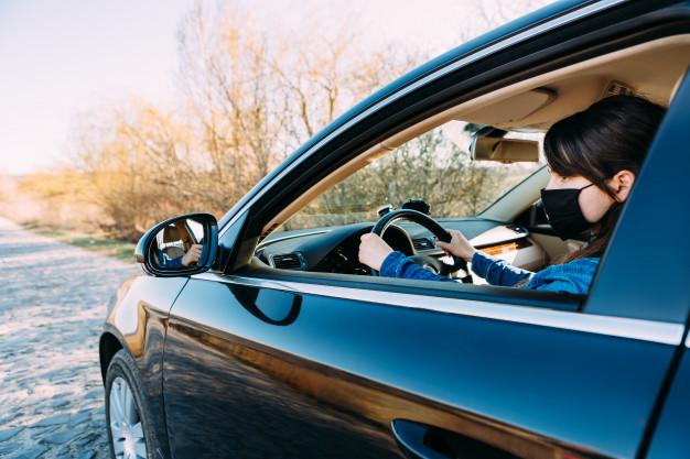 Mascarilla 1 - Dónde llevar la mascarilla en el coche para evitar multas