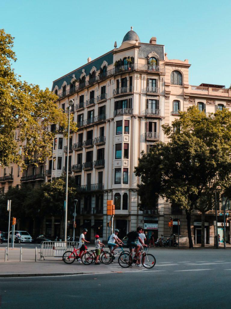 ciudad segura 2 768x1024 - Madrid y Barcelona son las ciudades más seguras para conductores y peatones