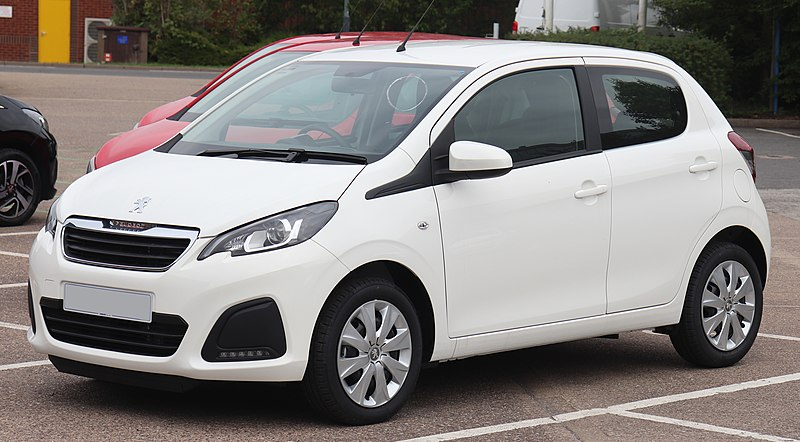 800px 2018 Peugeot 108 Active 1.0 Front - Los 10 coches más fáciles de conducir en ciudad