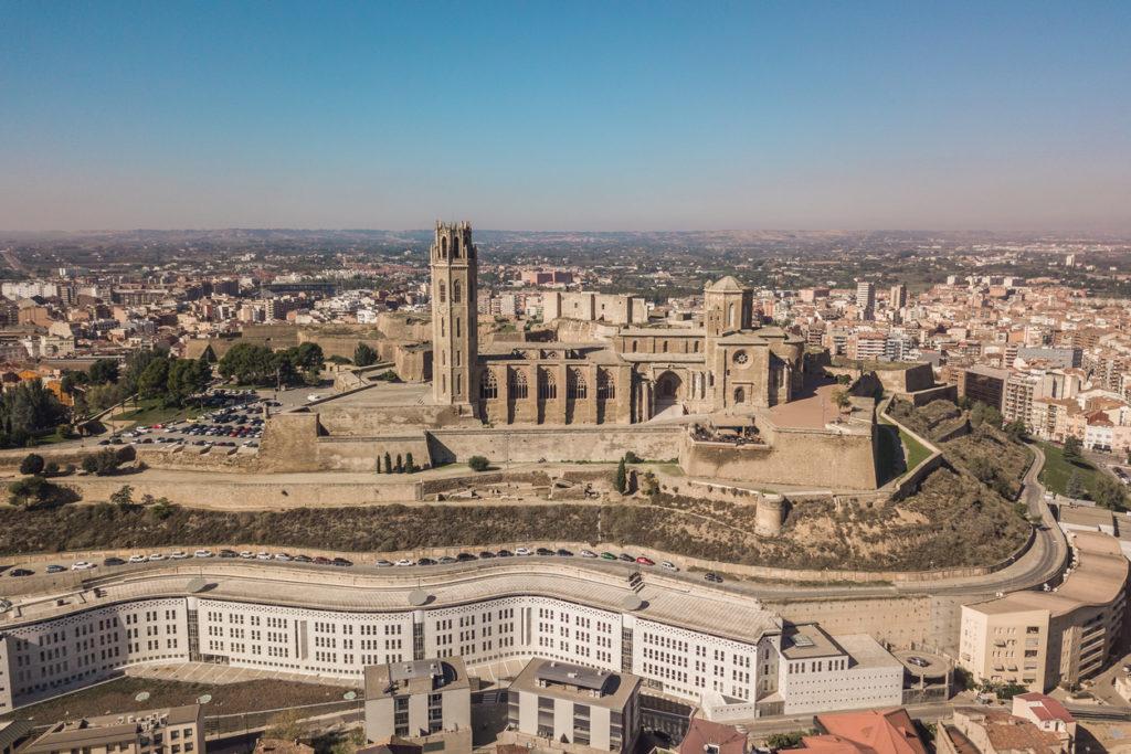 aparcar lleida 1 1024x683 - Dónde aparcar en Lleida gratis
