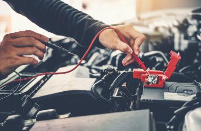 como encender un coche eléctrico sin bateria