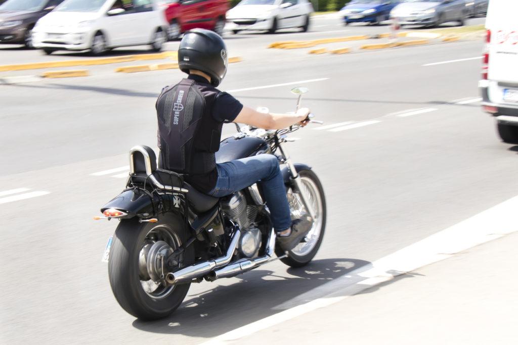 airbag moto 2 1024x683 - ¿Cómo funciona un airbag para moto?